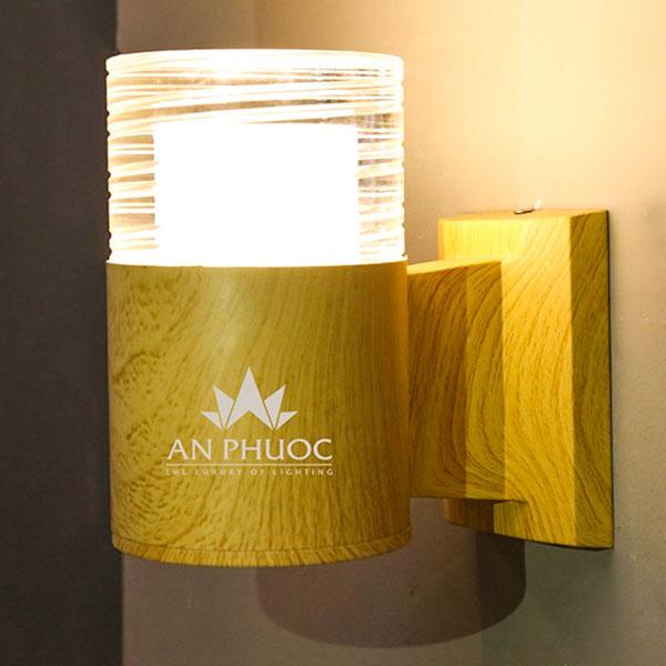 Đèn tường LED vân gỗ – GN-B9014-1