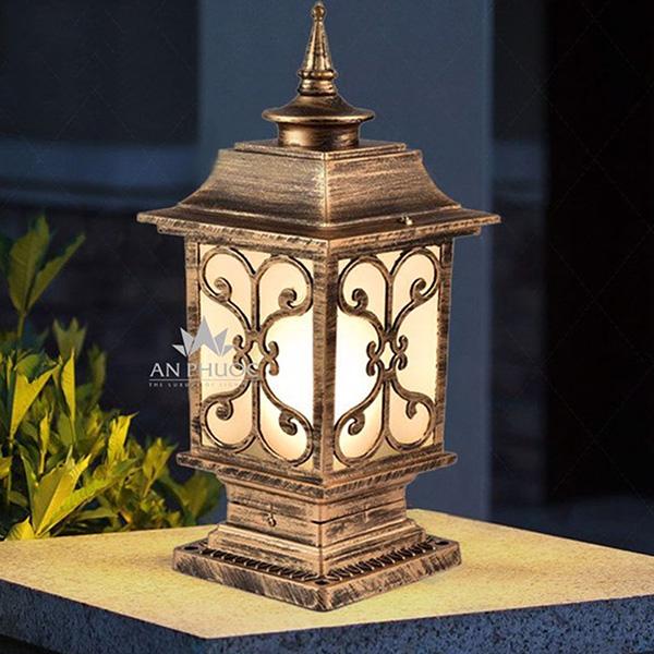 Đèn trụ cổng cổ điển vàng – AP71267