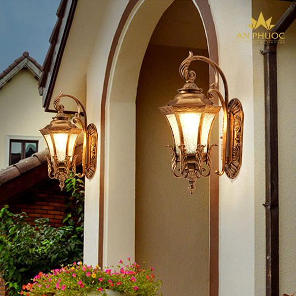 Đèn tường ngoại thất cổ điển vàng đồng – AP838