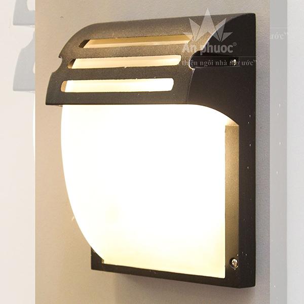Đèn tường ngoại thất gang tĩnh điện – AP4709