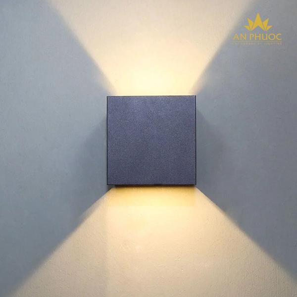 Đèn tường ngoại thất LED đen – APCB 1602