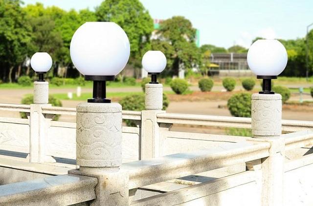 Đèn trụ cổng hiện đại - thiết kế đơn giản1