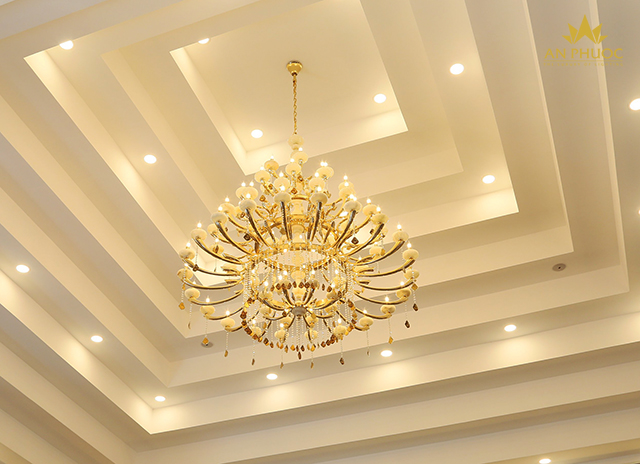 Mẫu đèn chùm phong khách đẹp tại Biệt thự Hà Nội - do đèn An Phước thi công1