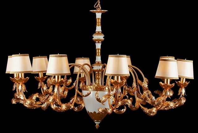 Đèn chùm châu Âu kết hợp với đá ngọc - phong cách hiện đại kết hợp với cổ điển