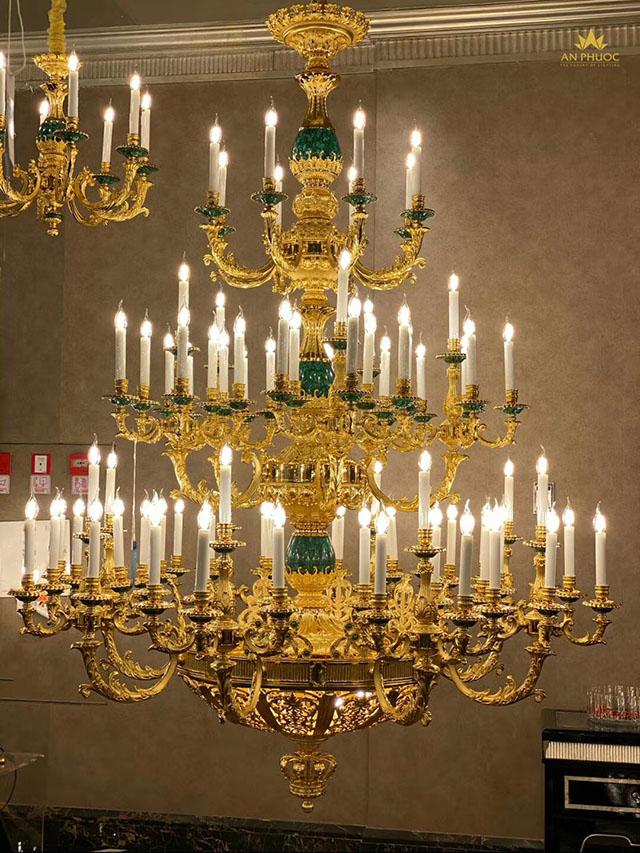 Mỗi mẫu đèn chùm cổ điển như một câu chuyện truyền tải ý nghĩa sâu xa1