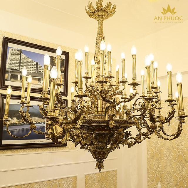 Công trình đèn chùm cổ điển thực tế được thi công bởi đèn An Phước1
