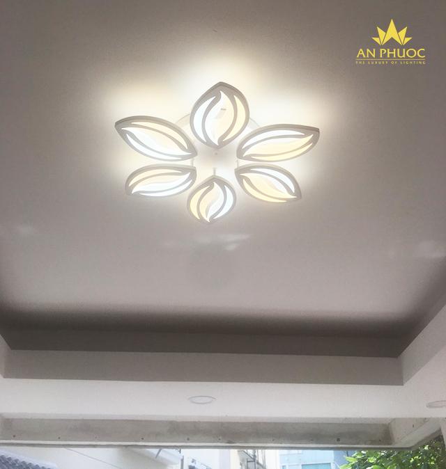 Sự giản đơn đến từ những mẫu đèn LED trang trí trần nhà1