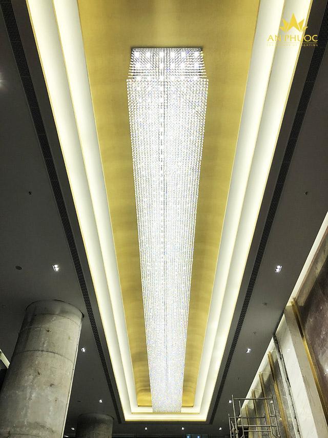 Đèn mâm ốp trần diện tích lớn tỏa sáng công trình FLC twin towers Cầu Giấy