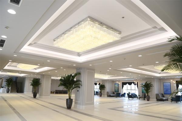 Đèn mâm pha lê hiện đại rực rỡ - công trình khách sạn Nam Cường 1
