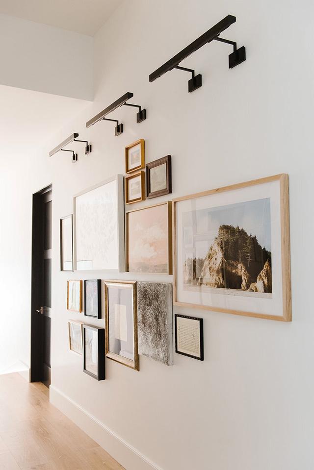 Đèn soi tranh hiện đại được ứng dụng nhiều trong các triển lãm nghệ thuật1
