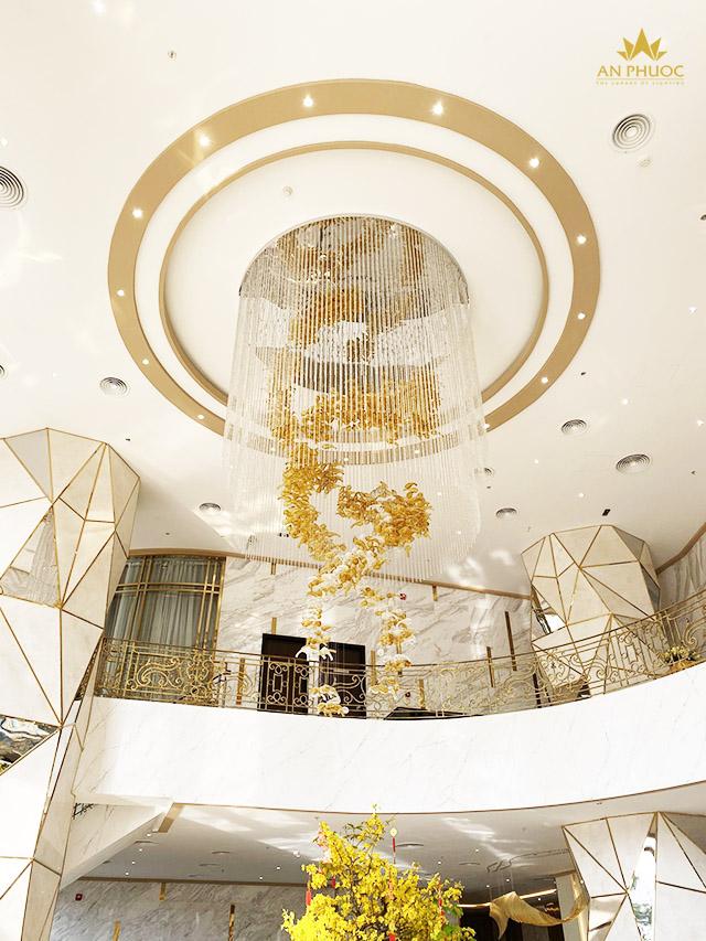 Đèn thả sảnh khách sạn - tôn lên nét sang trọng cho không gian1