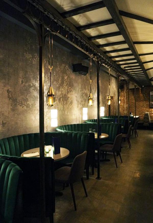 Đèn treo trần cổ điển trang trí quán cafe 1