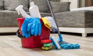 Hãy cẩn thận trong quá trình dọn vệ sinh để tránh những tai nạn đáng tiếc - 1
