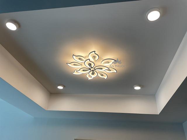 Áp trần LED - giải pháp cho trần nhà thấp