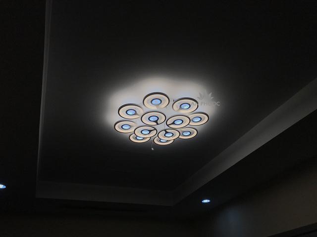 Áp trần LED tỏa sáng lung linh, phá vỡ mọi giới hạn về không gian